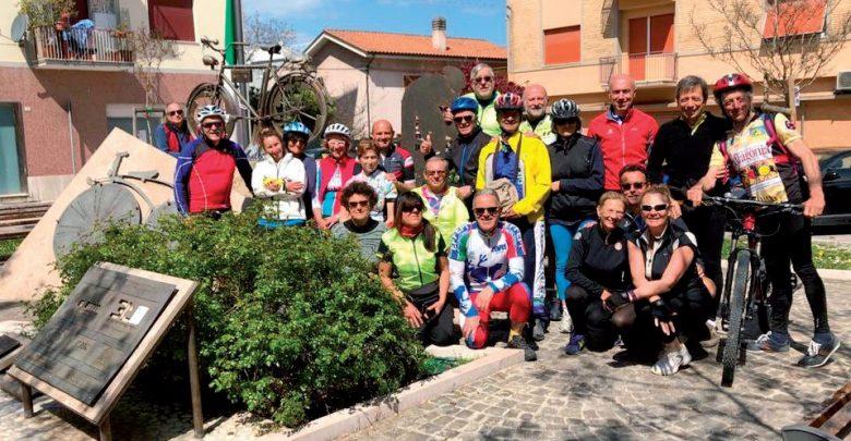 Photo of Pedalata nelle Marche con Isolainbici