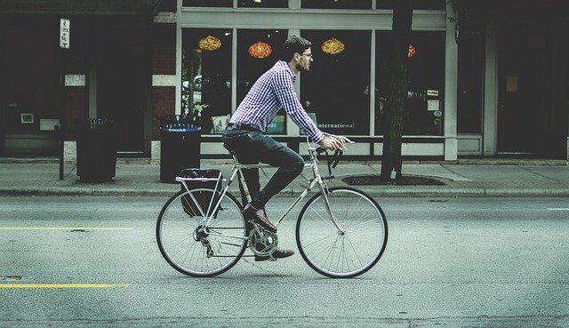 Ciclista urbano - Pixabay (man-731492_640)