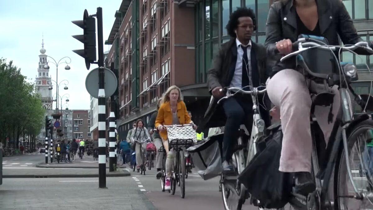 streetfilms-bicycle-anecdotes-from-amsterdam-g4qgzsann7s-1348x758-1m07s